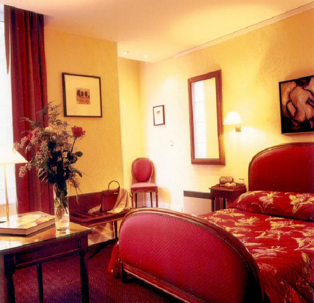 Hotel Churchill In Bayeux Normandy