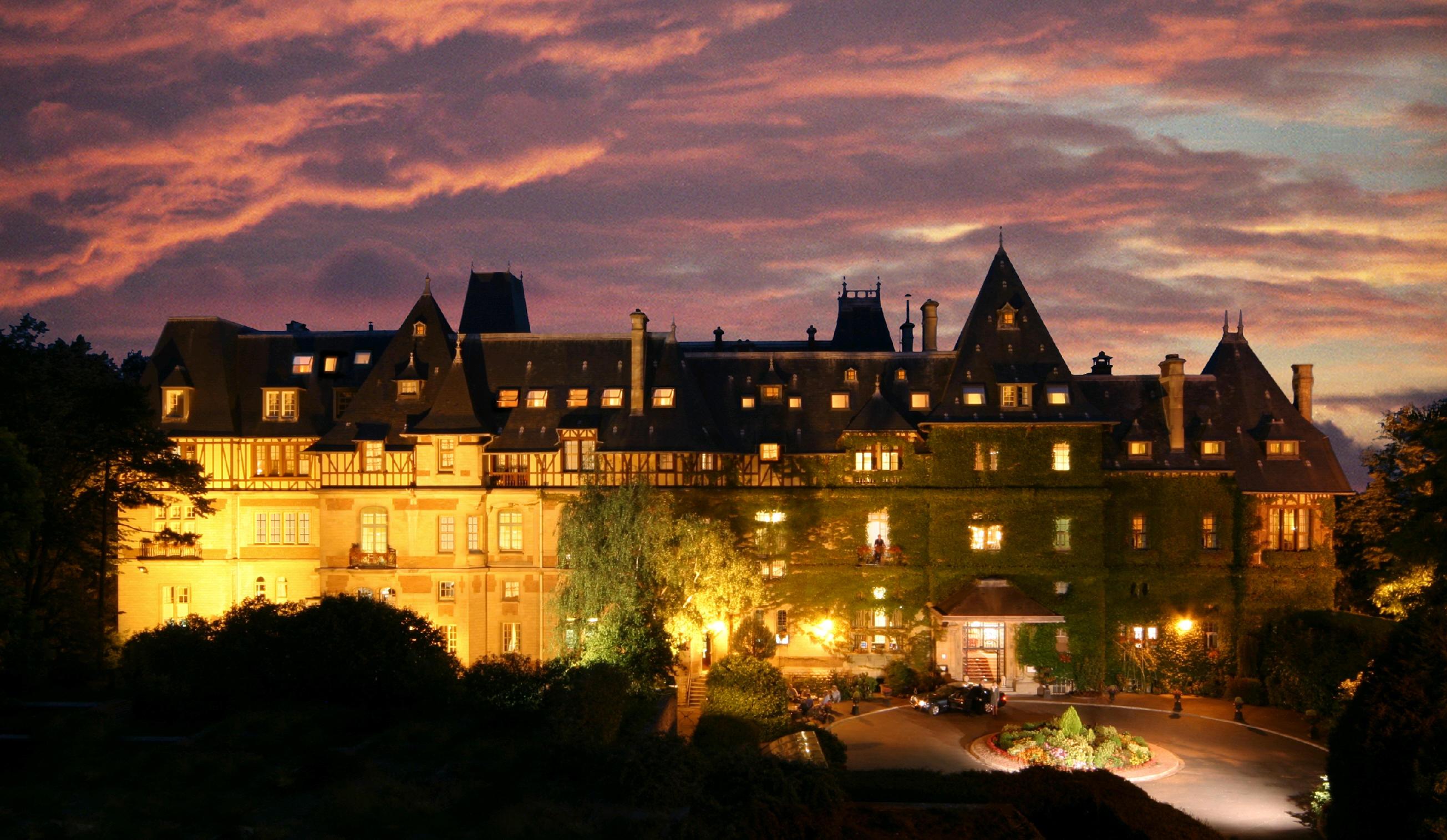 Hotel chateau de montvillargeenne paris france for Chateau hotel paris