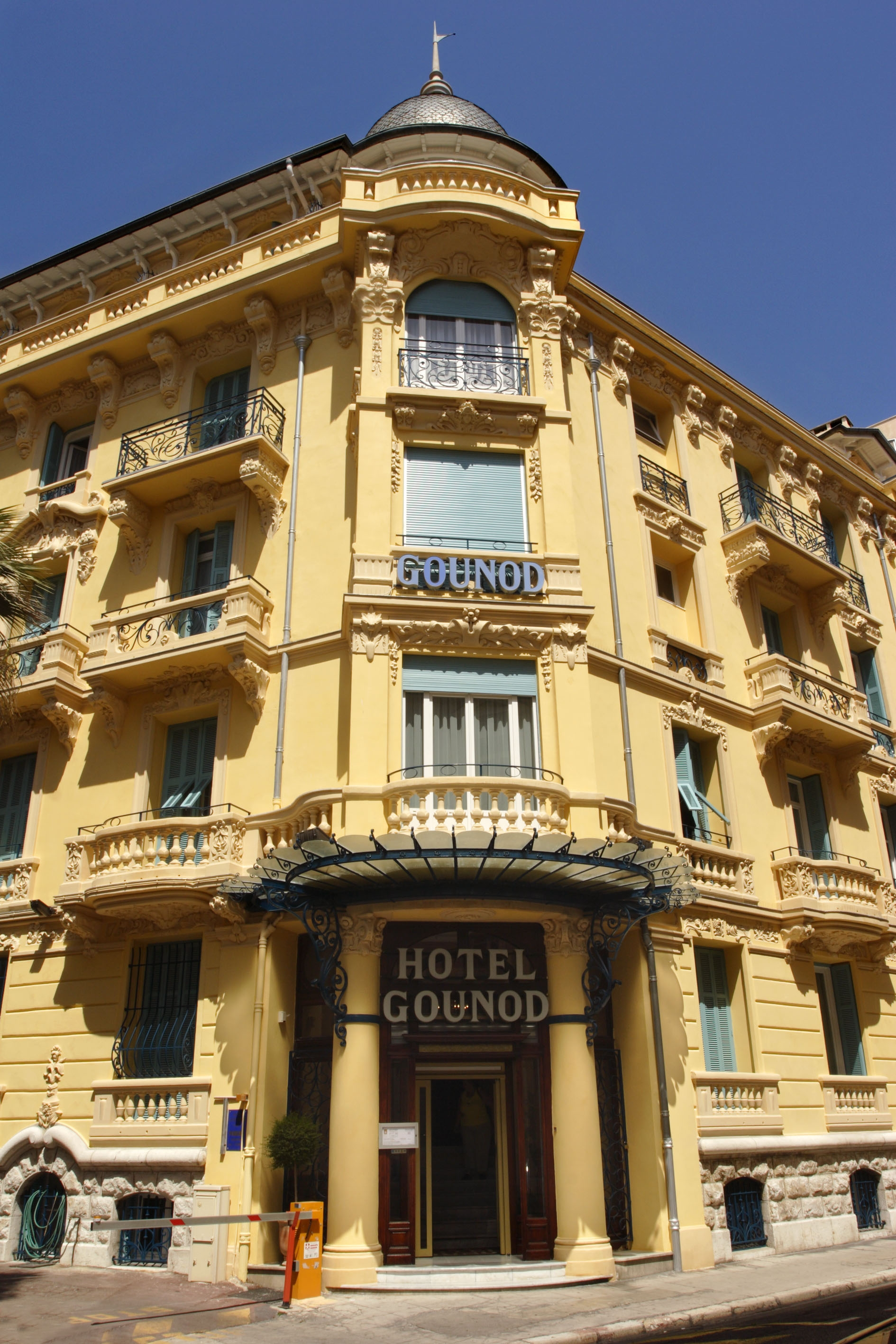 Four Seasons Air Conditioning >> HOTEL GOUNOD NICE FRANCE
