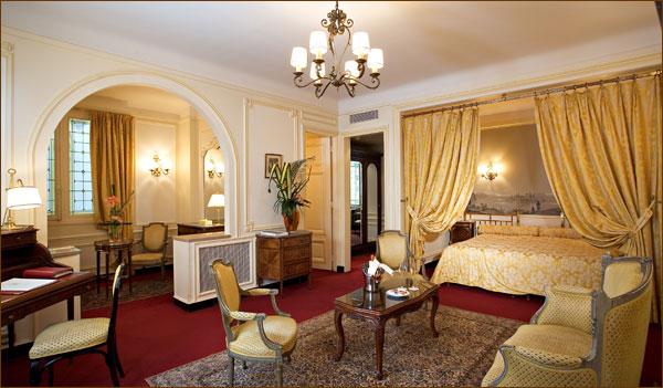 Hotels 1st arrondissement of paris for Hotel regina opera paris