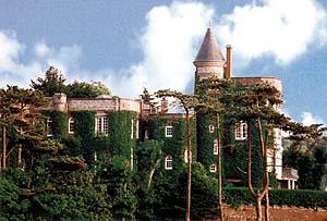 Hotel Le Donjon In Etretat In Normandy