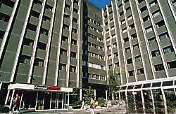 Hotel ibis porte de clichy paris - Theatre berthier porte de clichy ...