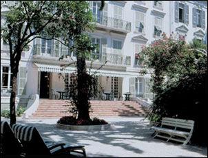hotel la villa victoria in nice. Black Bedroom Furniture Sets. Home Design Ideas