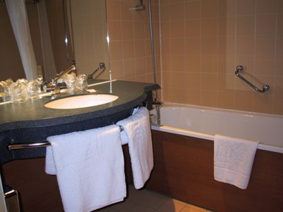 Best hotels and resort center ibis paris berthier porte de clichy - Porte de clichy prostitutes ...